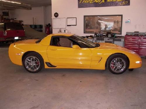 YELLOW CORVETTE (3)