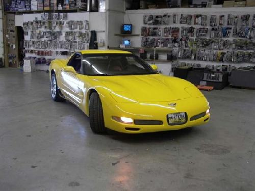 YELLOW CORVETTE (5)