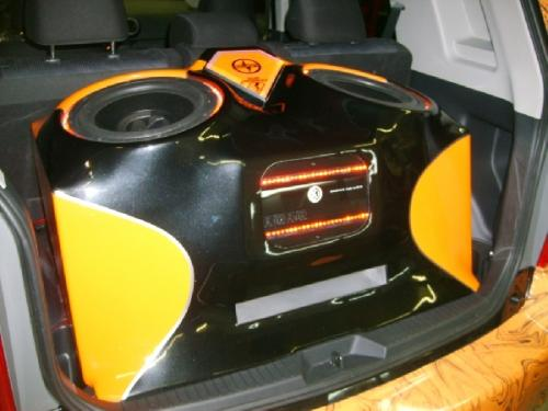 Custom Car Audio Scion XB (2)