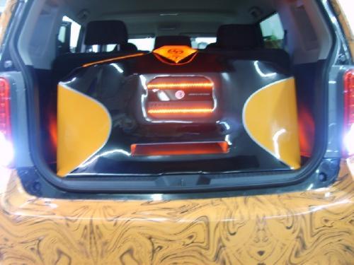 Custom Car Audio Scion XB (66)