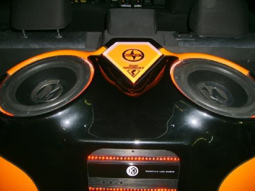 Custom Car Audio Scion XB (70)